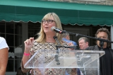 christina jennings (chair, board of directors, cfc, and ceo, shaftesbury) addresses the crowd at the 2016 cfc annual bbq fundraiser. photo: danilo ursini
