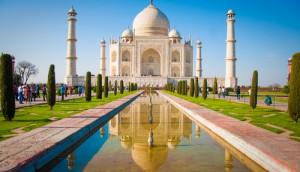 shutterstock_Taj Mahal