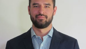 Roberto Alcantgara Headshot