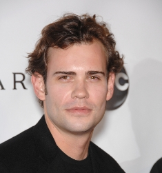 MUST USE CREDIT shutterstock_Rossif Sutherland