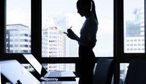 shutterstock_woman computer