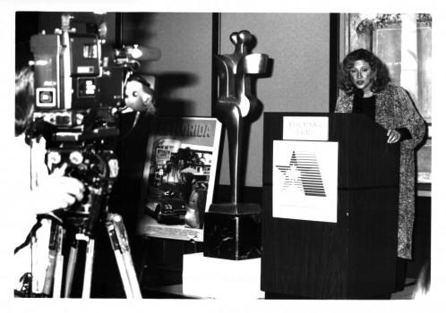 1993-Academy Exec Director Maria Topalovich announces Genie nominees