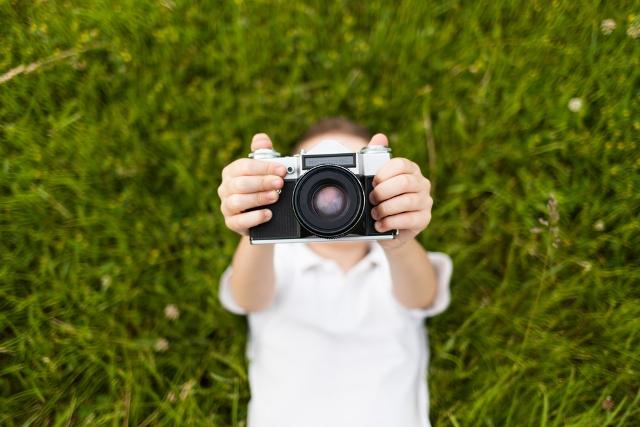shutterstock_kid_camera