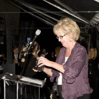 Jayne Eastwood presents and accepts the Hall of Fame honors for John Candy (photo: Linda Dawn Hammond)