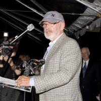 Presenter Norman Jewison presents the honors to Paul Bronfman (photo: Linda Dawn Hammond)