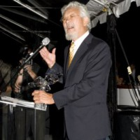 2010 Hall of Fame inductee David Suzuki roused the crowd with his speech (photo: Linda Dawn Hammond)