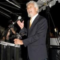 2010 Hall of Fame inductee David Suzuki roused the crowd with his speech (photo: Linda Dawn Hammond)
