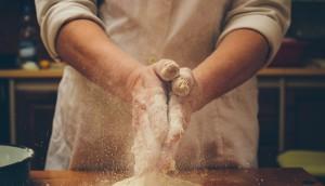 shutterstock_baking