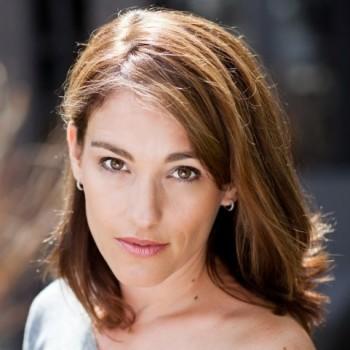 Amy Jo Johnson (1)