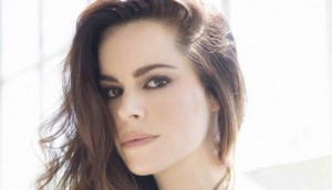 Emily Hampshire pic