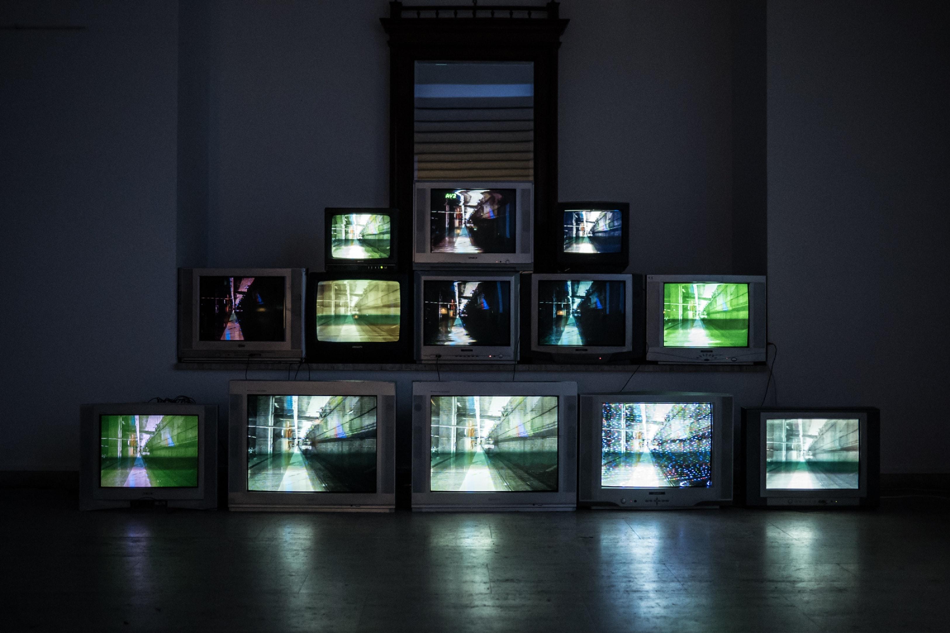 Television, Unsplash, scheier-hr-2rCggxMjd_8-unsplash