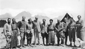 Tibetexpedition, Expedition zu Gast bei Gould